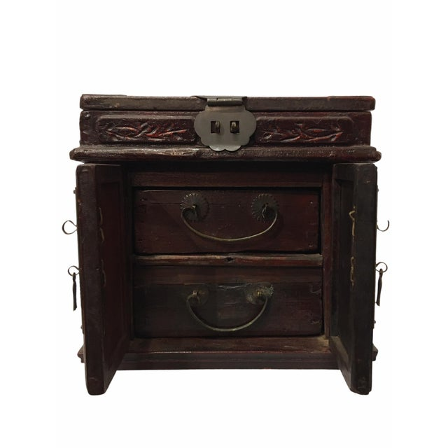 Chinese Antique Wooden Chinese Keepsake / Jewelry Box For Sale - Image 3 of 10