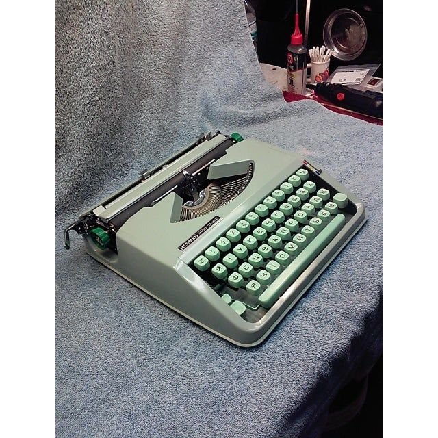 1968 Hermes Rocket with a Russian Ukraine Keyboard - Image 3 of 8