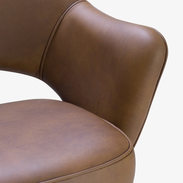 Metal Saarinen Executive Arm Chair in Saddle Leather, Swivel Base For Sale - Image 7 of 8