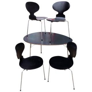 Mid-Century Arne Jacobsen Egg Table and Ant Chairs - Set of 5 For Sale