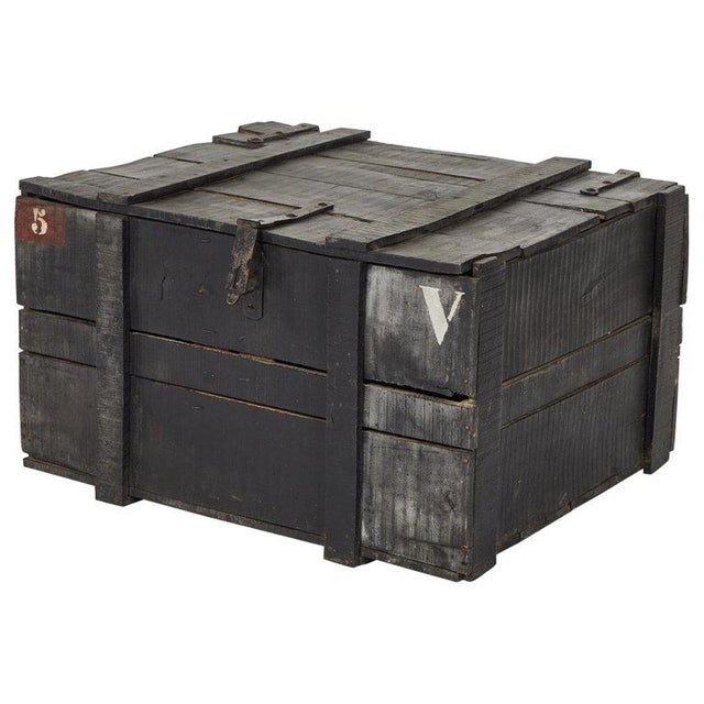 1900 - 1909 Painted Chest From Belgium Army For Sale - Image 5 of 5