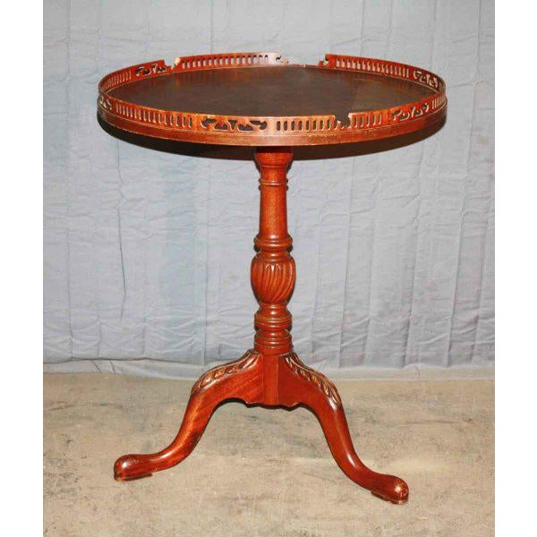 Early 20th Century Round Pedestal Side Table For Sale - Image 5 of 5