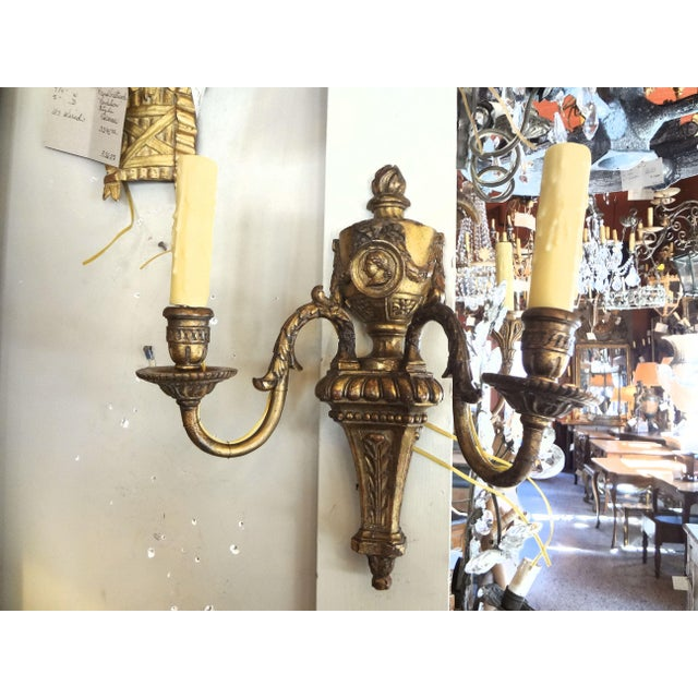Louis XVI Style Pair of Gilt Wood Sconces For Sale - Image 11 of 11