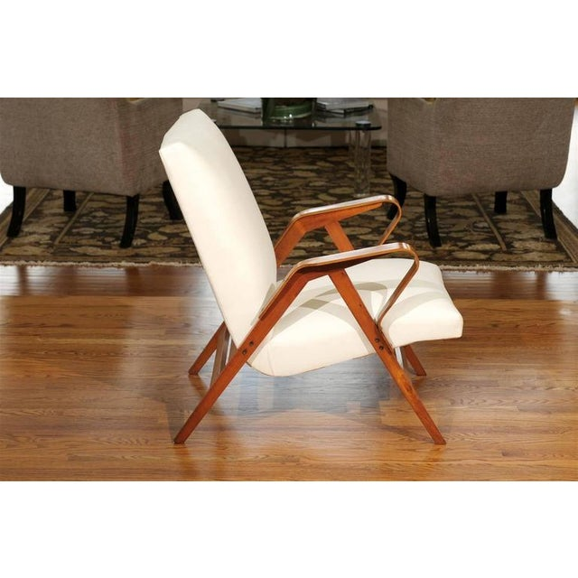Mid-Century Modern Gorgeous Pair of Restored Vintage Loungers in Maple and Mahogany For Sale - Image 3 of 9