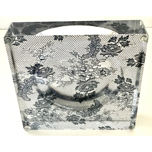 "Plastic Alexandra Von Furstenberg Modern Lucite Square & Round Optic ""Lace"" Bowl For Sale - Image 7 of 12"