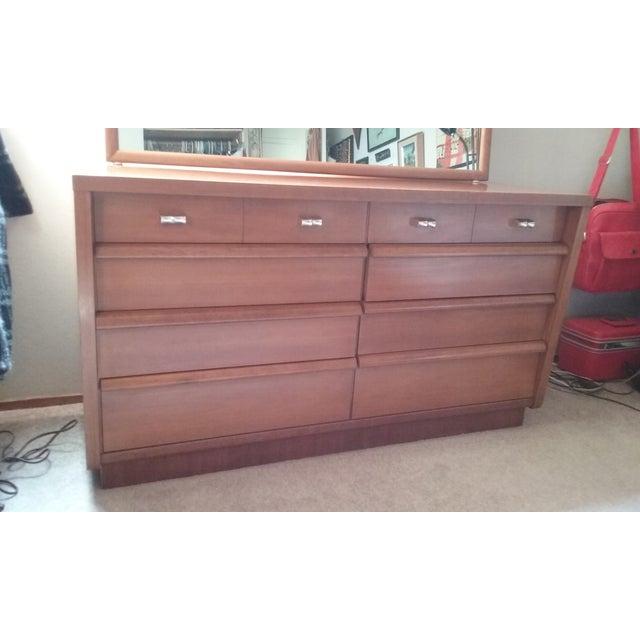 Cavalier Mid-Century Modern Dresser W/ Mirror - Image 5 of 10