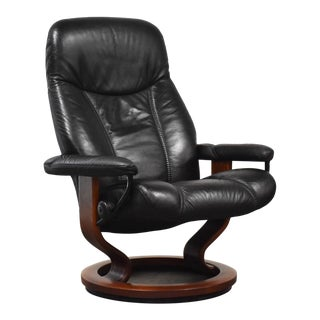 Black Leather Ekornes Stressless Recliner Lounge Chair For Sale
