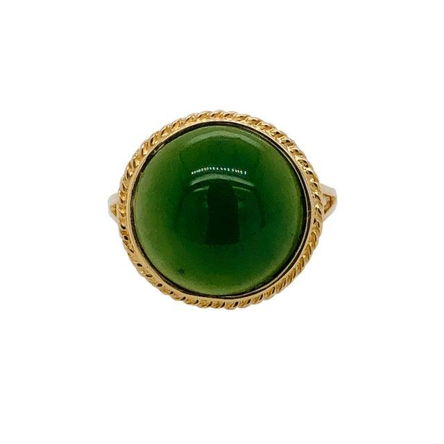 1960s Vintage 14k Gold Cabochon Jade Ring For Sale - Image 5 of 5