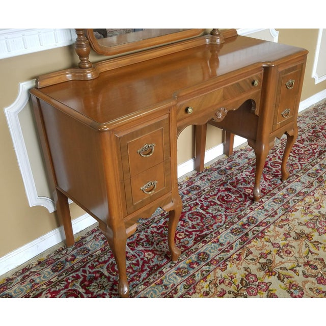 1930s 1930s Post Deco Walnut Traditional Bedroom Vanity & Mirror With Bench For Sale - Image 5 of 11