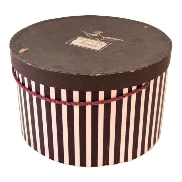 Vintage Pink & Eggplant Striped Hudson's Department Store Detroit Hat Box For Sale