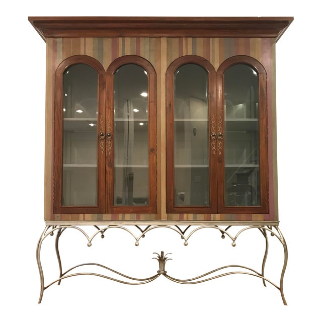 20th Century Traditional Guildmaster Mahogany Striped Curio/China Cabinet For Sale