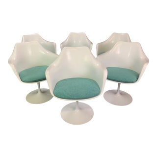 """Set of Six Vintage Mid Century Modern Swivel """"Tulip"""" Chairs by Eero Saarinen for Knoll For Sale"""