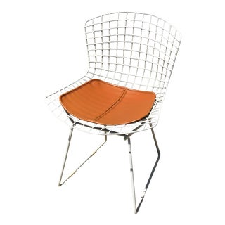Mid Century Modern Bertoia for Knoll White Wire Side Chair and Cushion For Sale