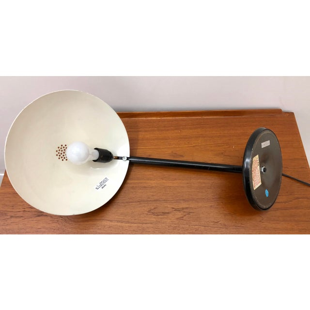 1960s Mid Century Modern Atomic Saucer Desk Lamp For Sale In New York - Image 6 of 9