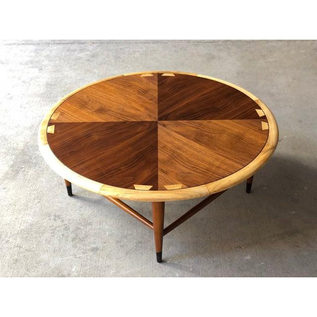 Lane Acclaim Series Coffee Table: Mid Century Modern Lane Acclaim Round Coffee Table