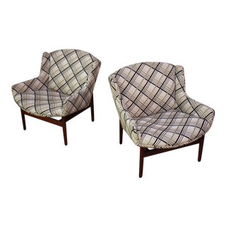 Jens Risom Walnut Lounge Chairs - A Pair For Sale