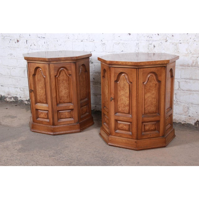 Mastercraft Mastercraft Mid-Century Hollywood Regency Burl Wood Cabinet Side Tables - a Pair For Sale - Image 4 of 9