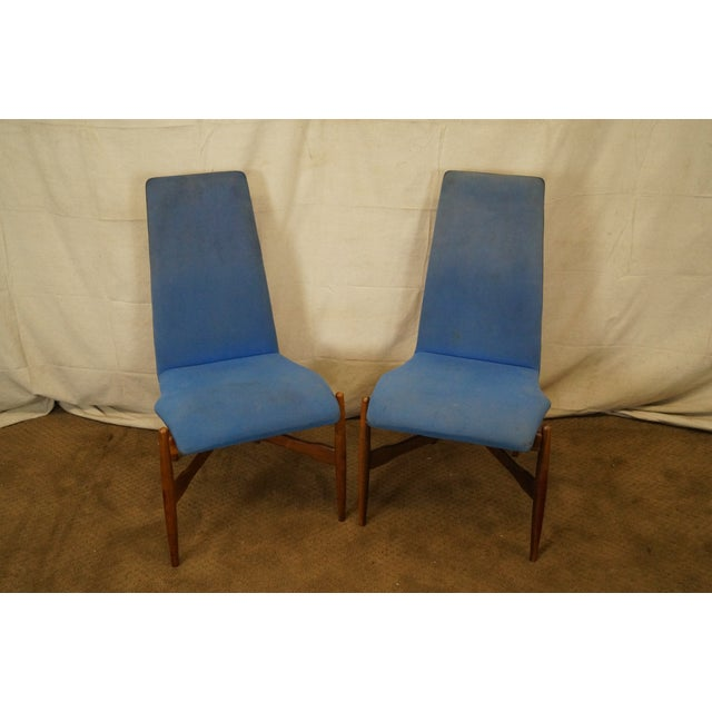 Mid-century set of five, walnut, floating Bentwood dining chairs by Kodawood. AGE/COUNTRY OF ORIGIN: Approx 50 years,...