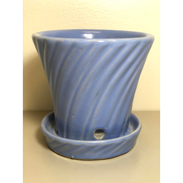 Vintage 1960s Mid-Century Flowerpot and Attached Saucer For Sale In Los Angeles - Image 6 of 6