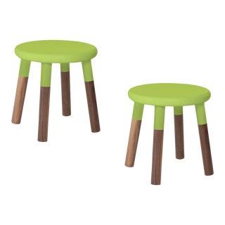 Nico & Yeye Peewee Kids Chair Solid Walnut and Walnut Veneers Green - Set of 2 For Sale