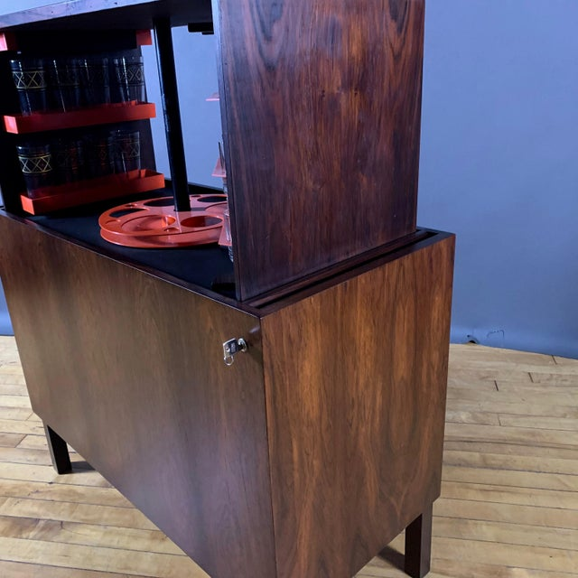 Kai Kristiansen Rosewood Hydraulic Bar Cabinet, 1968 For Sale In New York - Image 6 of 12