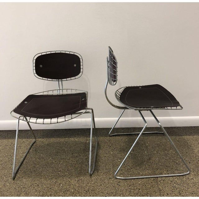 Modern Pair of Beauborg Wire and Leather Stacking Chairs For Sale - Image 3 of 7