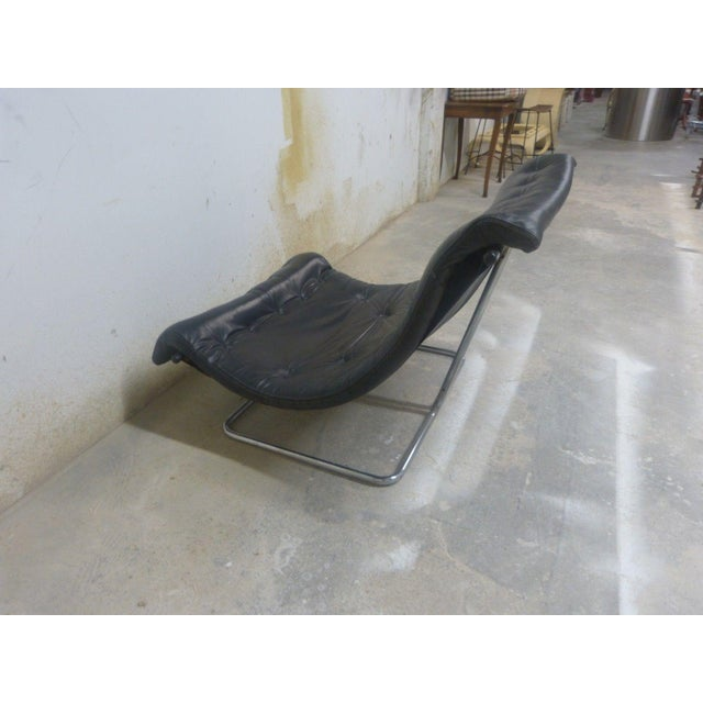 Stylish Quality 60's Architectural Aluminum and Leather Scoop Chair For Sale In Miami - Image 6 of 7