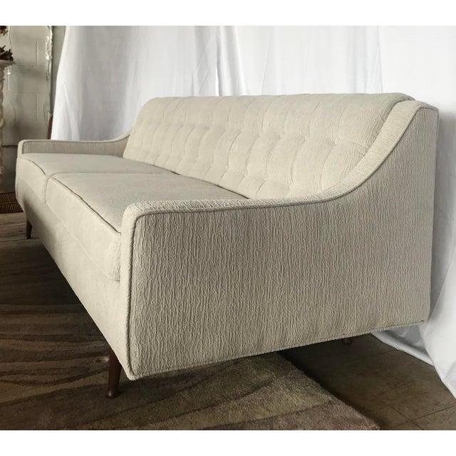 Mid-Century Modern Mid Century Gray Milo Baughman Style Sofa For Sale - Image 3 of 7