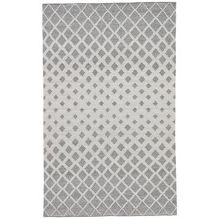 Jaipur Living Winipeg Indoor/ Outdoor Geometric Gray/ White Area Rug - 5′ × 8′ For Sale