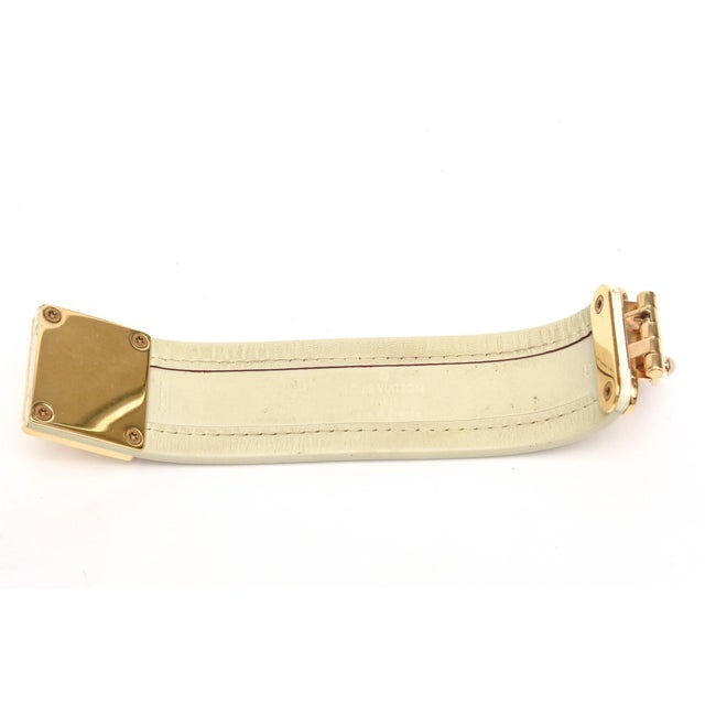 Louis Vuitton Leather and Gold Plated Brass Hardware Cuff Bracelet For Sale In Miami - Image 6 of 11