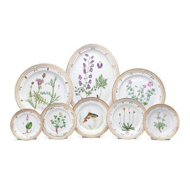 Hollywood Regency 143 Piece Flora Danica Porcelain Dinner Service by Royal Copenhag For Sale - Image 3 of 6