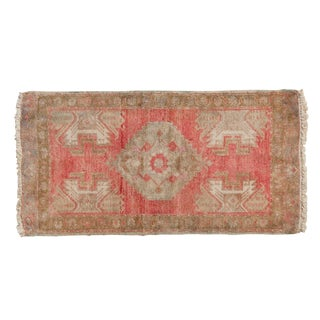 "Vintage Distressed Oushak Rug Mat - 1'6"" X 3' For Sale"