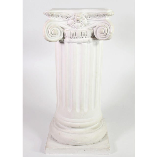 Neoclassical 1960s White Plaster Romanesque Ionic Scroll Column Display Pedestal For Sale - Image 3 of 8
