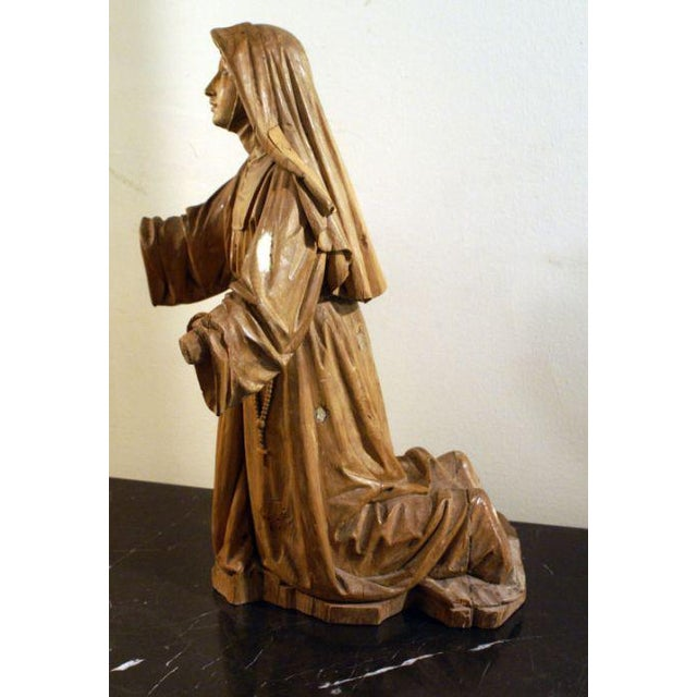 Figurative 19th Century Boxwood Carving of a Praying Nun For Sale - Image 3 of 5