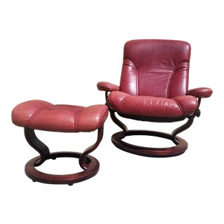 Vintage Ekornes Stressless Consul Classic Leather Recliner Lounger and Ottoman For Sale