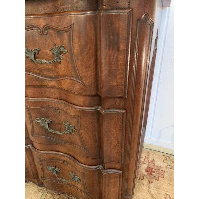 Wood 1920s Vintage Mahogany Serpentine Chest of Drawers Dresser For Sale - Image 7 of 10