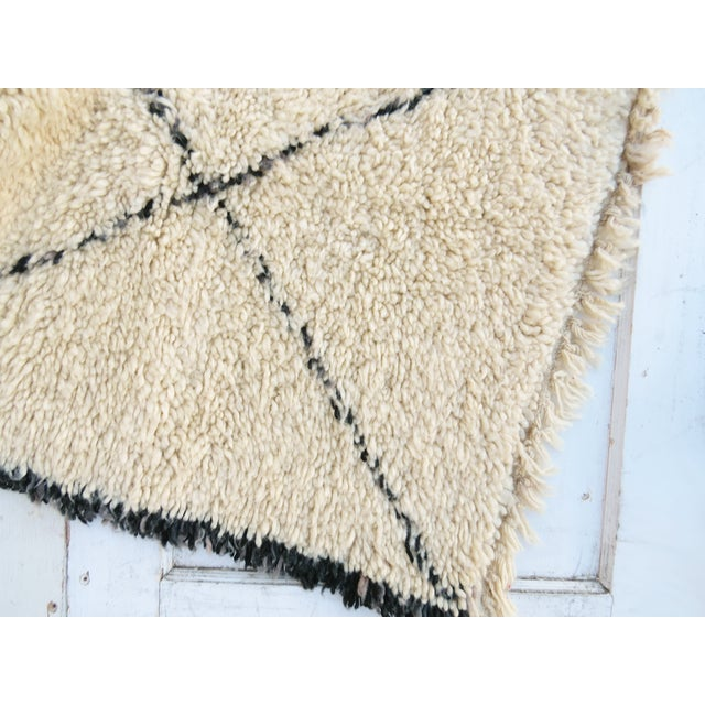 "Vintage Beni Ourain Rug - 5'6"" x 7'1"" - Image 3 of 3"