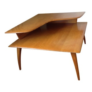 1950s Mid-Century Modern Heywood-Wakefield Blonde 2-Tier Corner Table For Sale