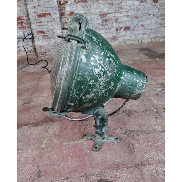 1930s Crouse-Hinds -1930s Vintage Nautical & Industrial Spot Light For Sale - Image 5 of 10