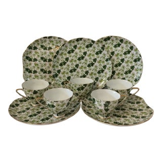 Ivy Chintz Luncheon Plates and Tea Cups - Set of 5 For Sale