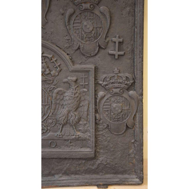 18th C. Large Fireback - Coat of Arms Lorraine from 1704 For Sale - Image 4 of 11