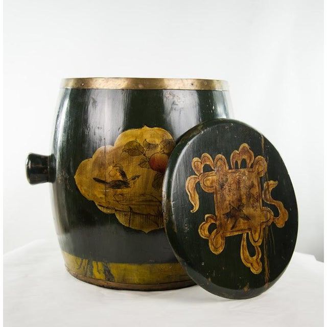 Lacquer Chinese Qing Dynasty Lacquer Painted Lidded Storage Vessel For Sale - Image 7 of 7