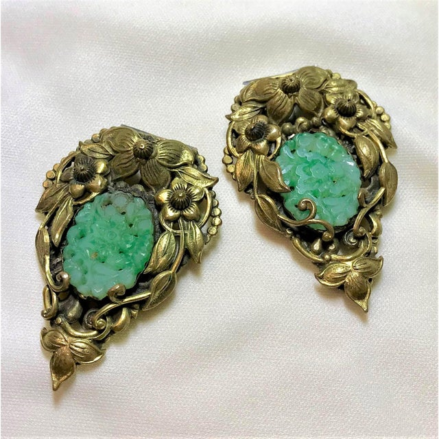Art Nouveau 1930s Goldtone Floral Dress Clips Set With Molded Jade Green Glass - a Pair For Sale - Image 3 of 6