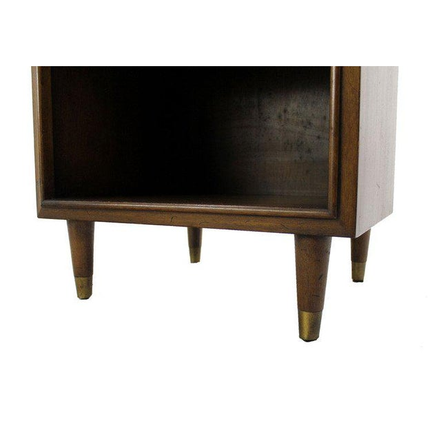 Johnson Furniture Co. Pair Johnson Mid Century Modern Walnut Night Stands End Table For Sale - Image 4 of 8