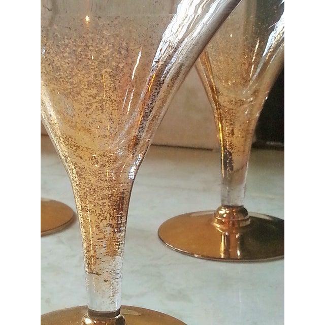 Dorothy Thorpe Cocktail Glasses W/ Gold Flecks - 4 - Image 3 of 10