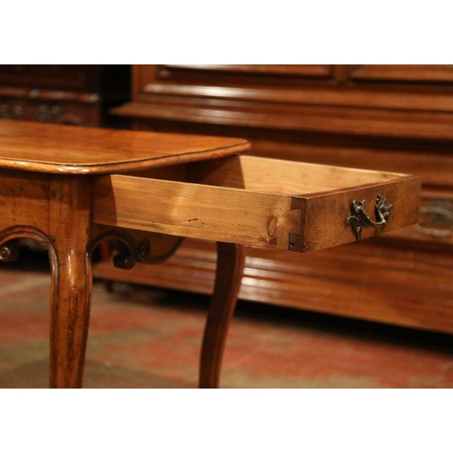 Late 18th Century 18th Century French Louis XV Carved Bombe Walnut Console Table From Provence For Sale - Image 5 of 9