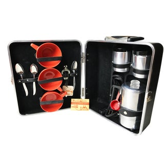 Vintage Executair Traveling Coffee Set For Sale