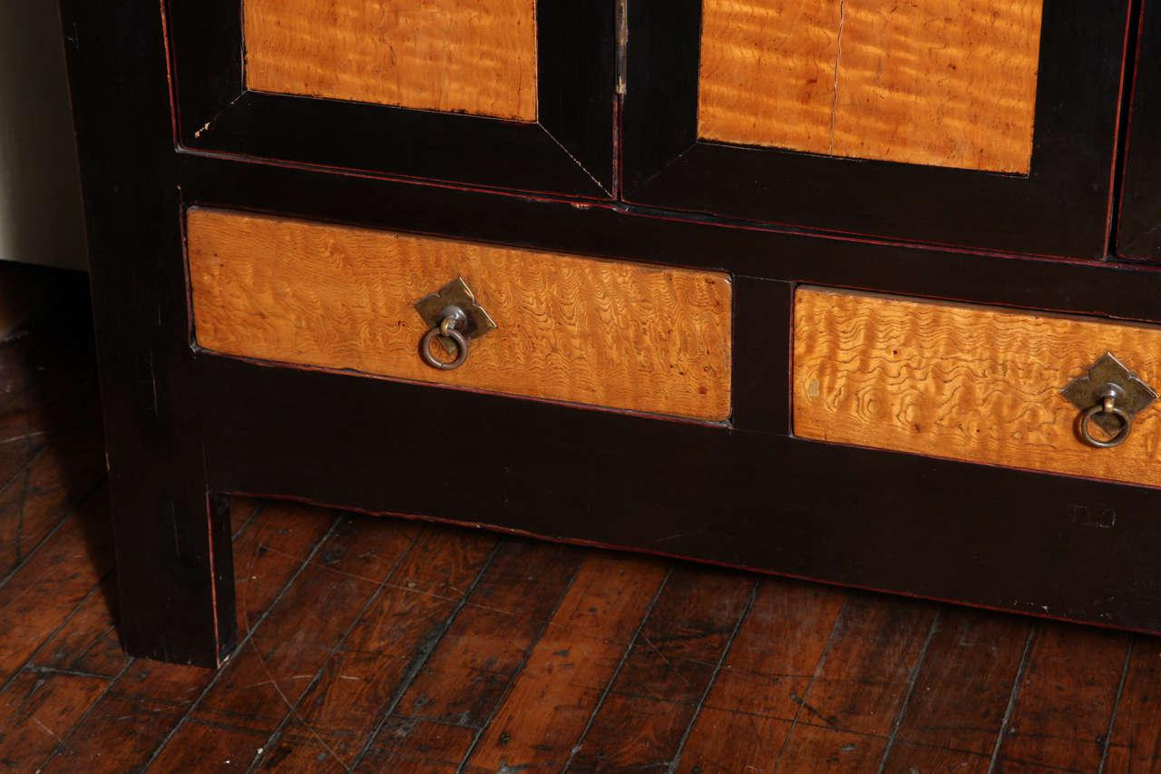 Late Qing Dynasty Black Lacquer And Burl Wood Cabinet With Accordion Doors    Image 5 Of