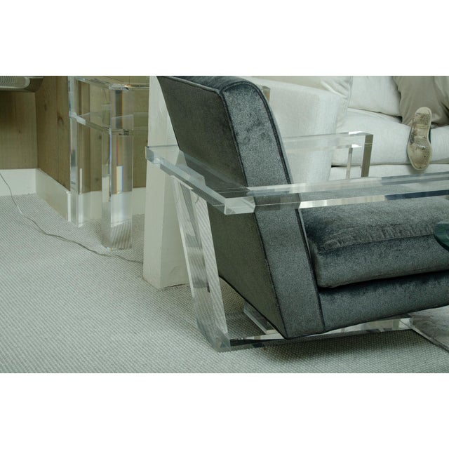 Fabulous Pair of Lucite Arm Chairs For Sale In New York - Image 6 of 8