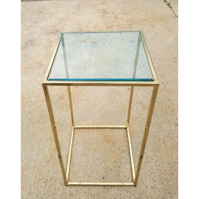 Contemporary Milo Baughman Style Brass & Glass Pedestal Art Stand For Sale - Image 3 of 7